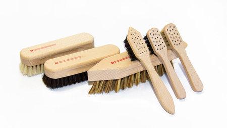 Schuhputz-Set mit Holzschachtel